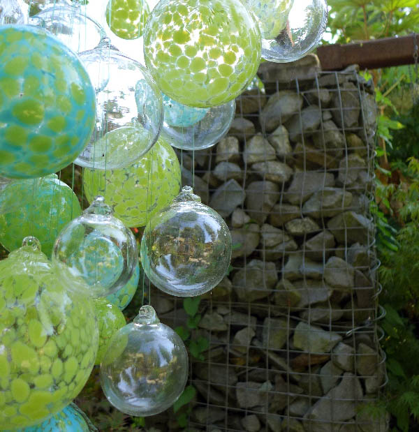 dig baubles and gabion